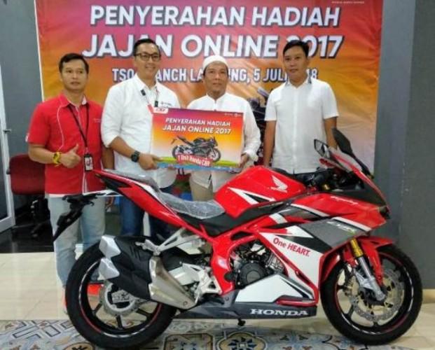 Pelanggan Lampung Dapat CBR 250RR dari Telkomsel