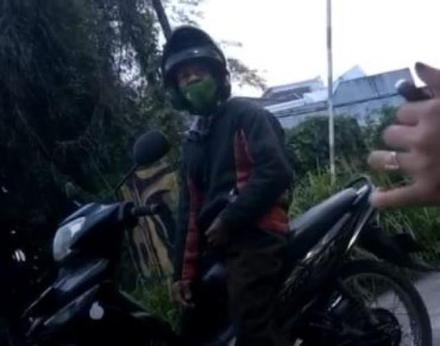 Pelat Motor Kakek Eksibionis di Bandar Lampung Palsu