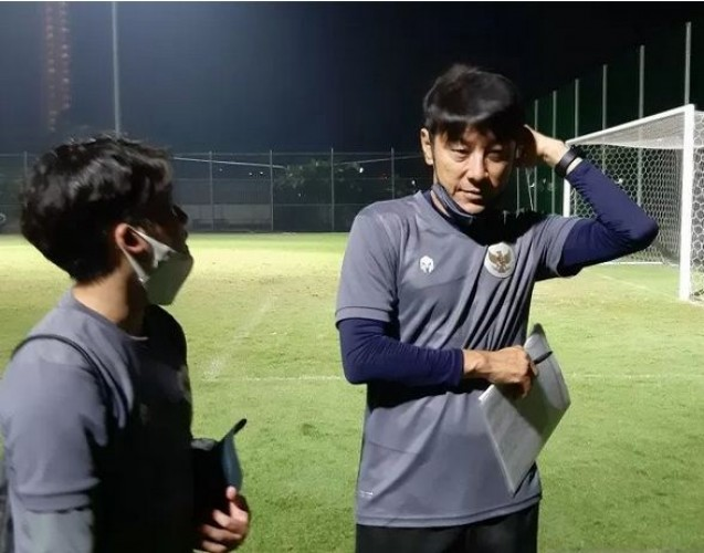 Pelatih Timnas Indonesia Positif Covid-19