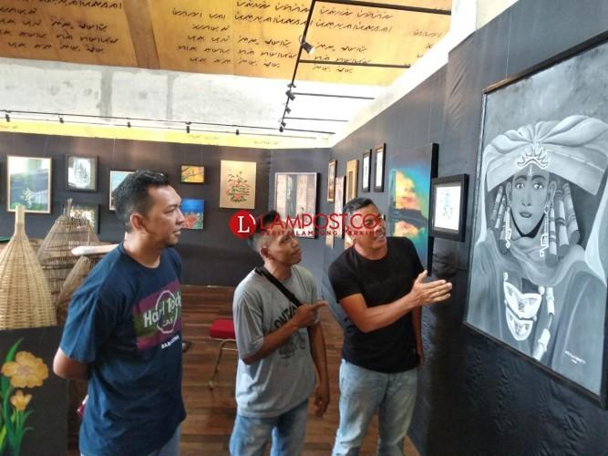Pelukis Disabilitas Dominasi Pameran Lukisan DK Tubaba