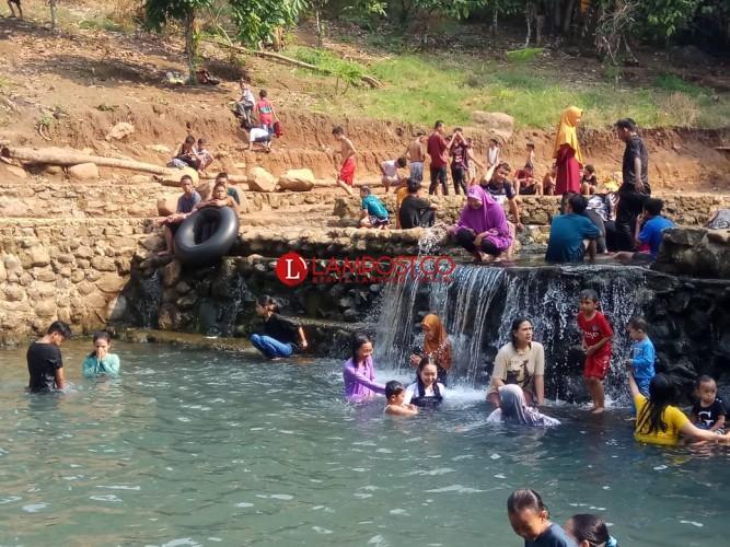 Pemandian Way Tebing Ceppa Mulai Ramai Pengunjung