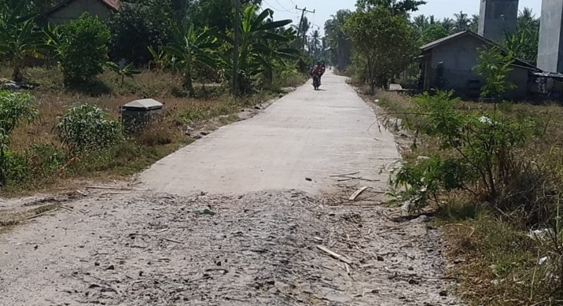 Pembangunan Jalan Beton di Desa Berundung Diprotes Warga