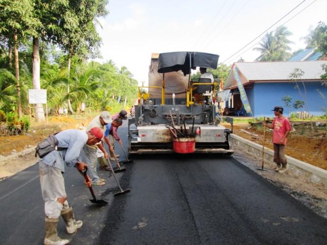 Pembangunan Jalan Kabupaten Pringsewu Lambat