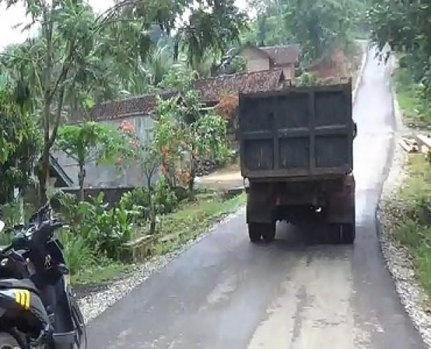 Pembangunan Jalan Penghubung Kecamatan di Tanggamus Tuai Pro-Kontra