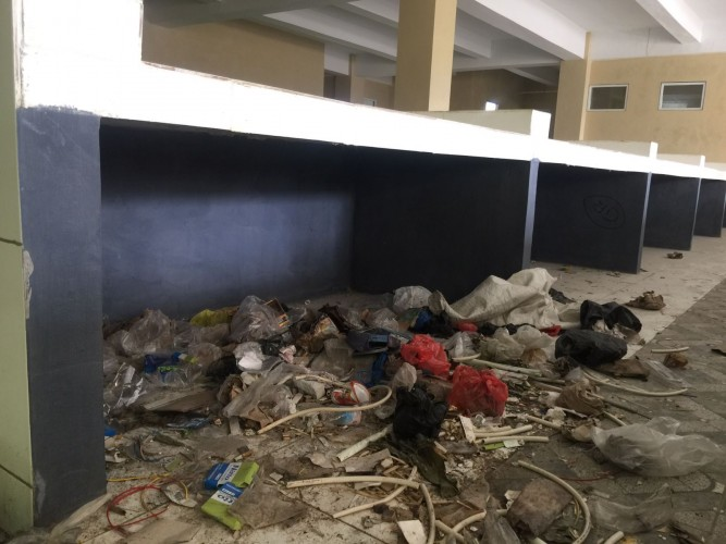 Pembangunan Mangkrak, Gedung Pasar Smep Dipenuhi Sampah