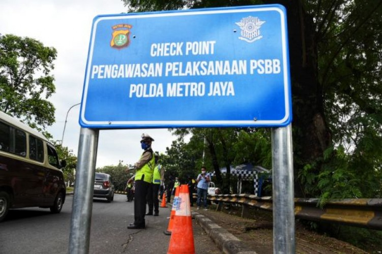 Pembatasan Kegiatan di Jawa-Bali Wajib