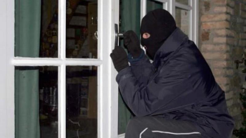 Pembobol Ruang TU SMPN 7 Kotabumi Dibekuk Polisi