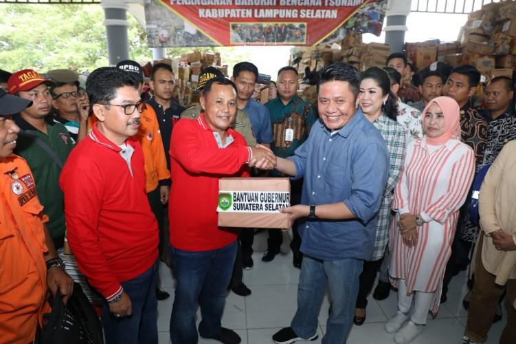 Pemda Sumatera Selatan Bantu Korban Tsunami 21 Ton Beras Premium