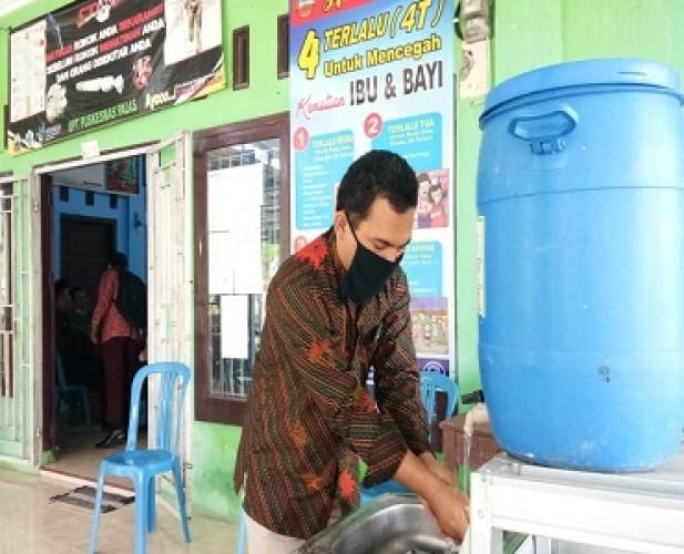 Pemdes Palasaji Menerapkan 3M di Lingkungan Kantor Desa