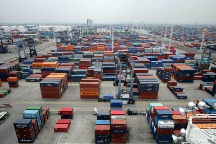 Pemerintah Bebaskan Pajak Impor 10 Barang Strategis