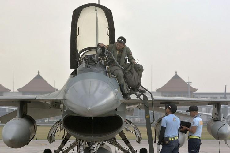 Pemerintah Disarankan Beli Pesawat Tempur Lebih Canggih