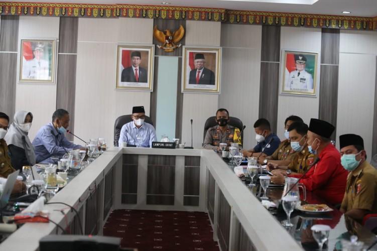Pemkab Lambar Mediasi Konflik Warga dan Perusahaan soal Pembangunan PLTM
