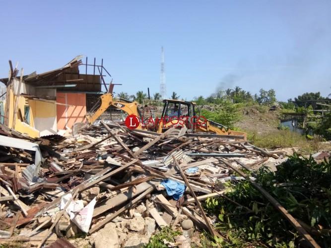 Pemkab Pesisir Barat Gelar Pembongkaran 13 Bangunan di Kelurahan Pasar Krui