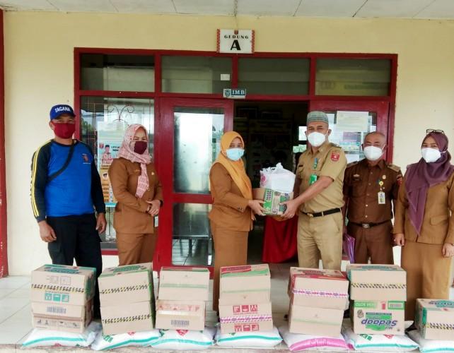 Pemkab Sebar 488 Paket Sembako untuk Keluarga Terdampak Covid-19 di Lambar