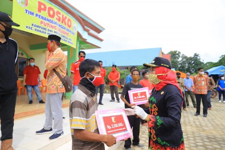 Pemkab Tuba Kucurkan Bantuan Korban Angin Puting Beliung Rp 1,5 M
