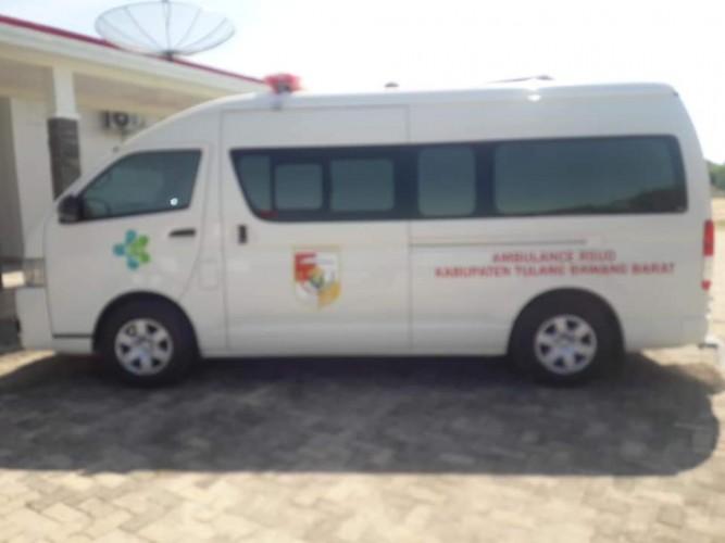 Pemkab Tubaba Terima Lima Ambulan dari Kemenkes