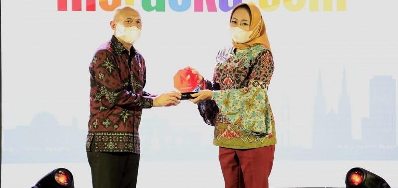 Tulangbawang Terima Penghargaan Pencetus Program Inspiratif UMKM