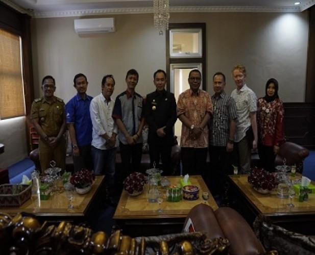 Pemkab Way Kanan – Lampung Post Sinergi Majukan Pembangunan