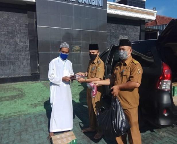 Pemkot Bandar Lampung Bagikan Masker ke Tempat Ibadah