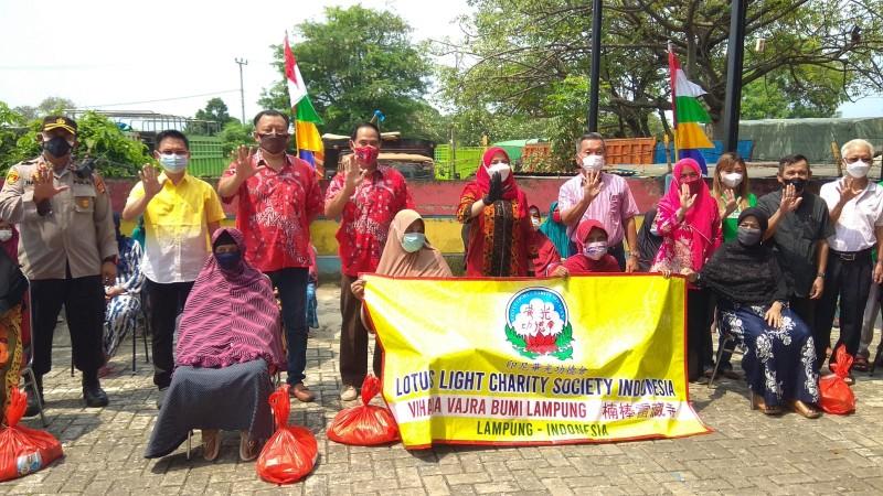 Pemkot Bandar Lampung dan PSMTI Salurkan Ribuan Paket Sembako