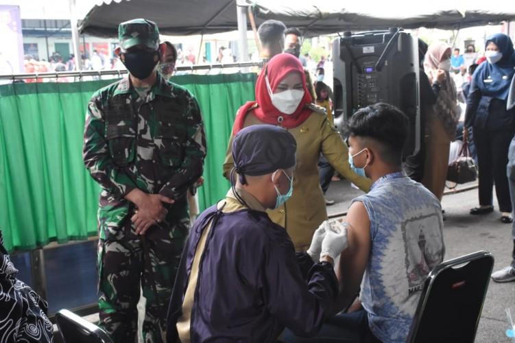 Pemkot Bandar Lampung Gelar Vaksinasi Serentak di Tiga Lokasi