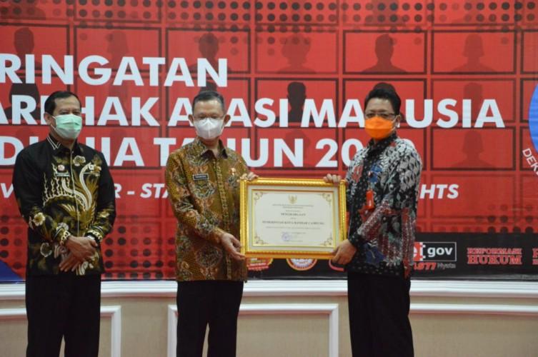 Pemkot Bandar Lampung Terima Penghargaan Kemenkumham