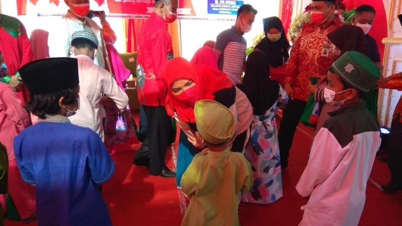 Pemkot Melalui Bank Syariah Santuni 200 Anak Yatim Piatu