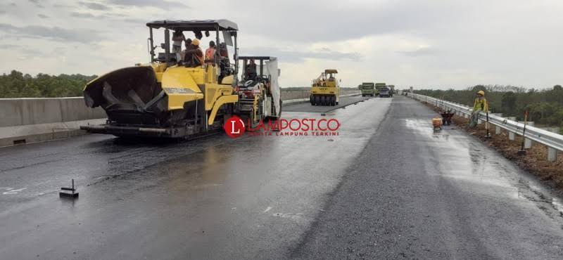 Pemprov Lampung Alokasikan Rp11,3 M untuk Perbaikan Jalan di Lambar