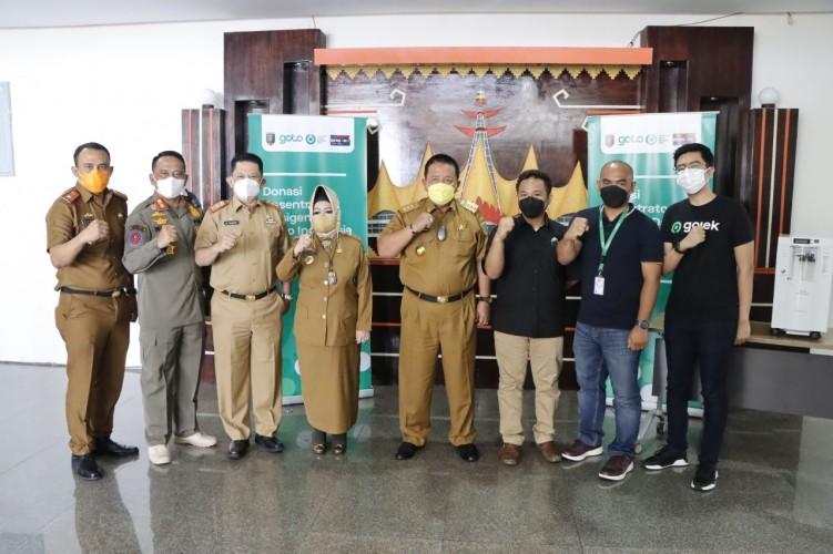 Pemprov Lampung Terima Bantuan 10 Oksigen Konsentrator dari Gojek Tokopedia