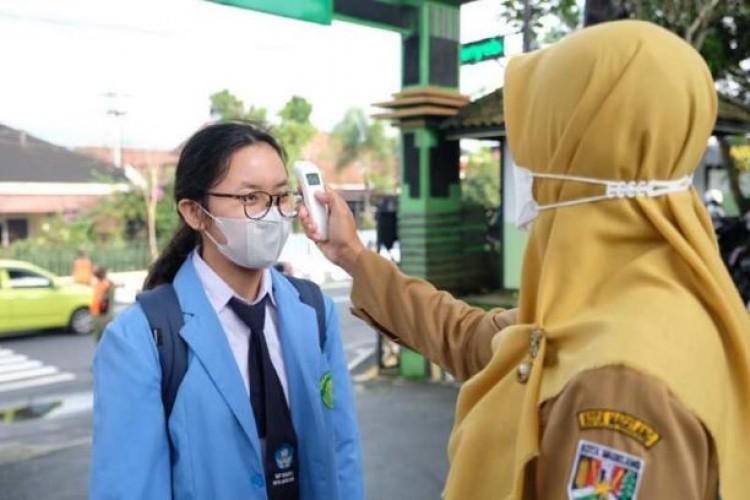Pemprov Lampung Upayakan PTM lewat Percepatan Vaksinasi Guru