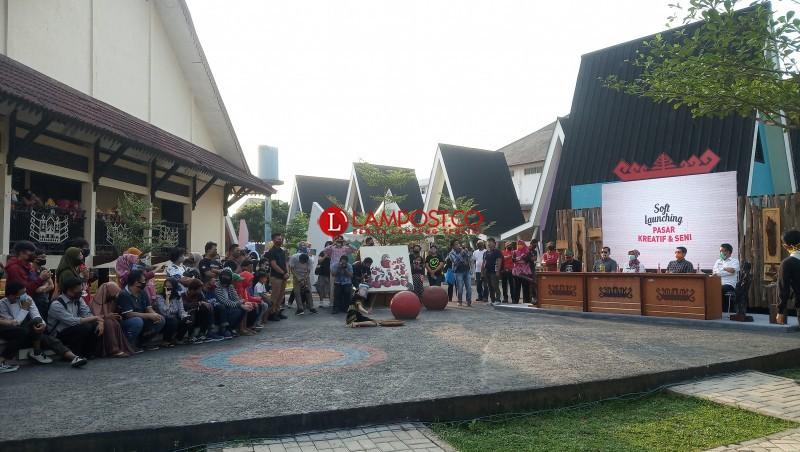 Pemprov Soft Launching Pasar Kreatif dan Seni PKOR