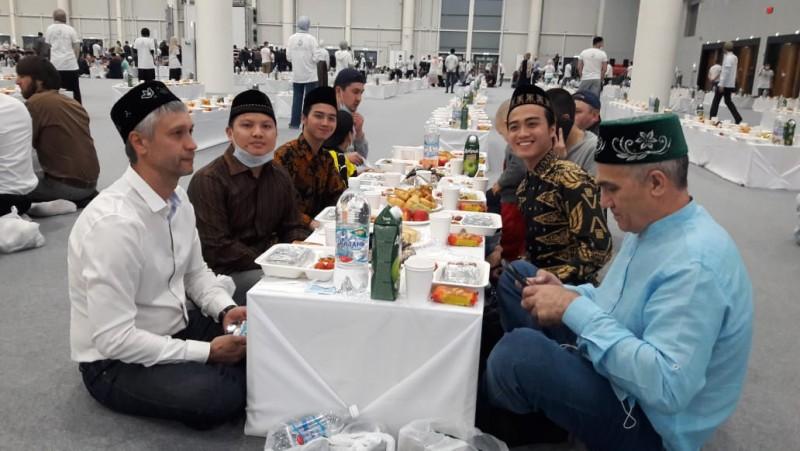 Pemuda Lampung Dilibatkan dalam Iftar Akbar di Rusia