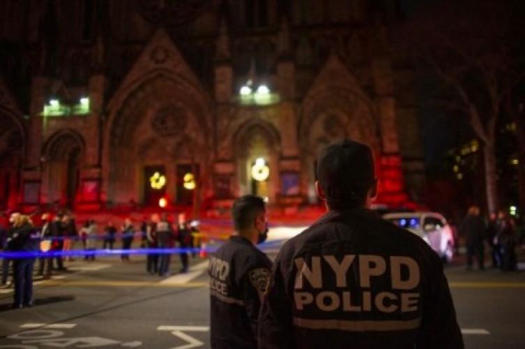 Perusuh Konser Natal di Katedral New York Ditembak