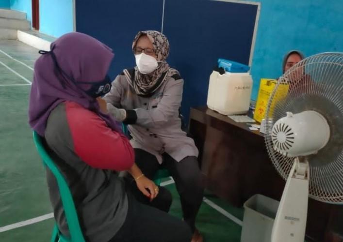 Penerima Vaksin Dosis Lengkap di Sragi Lamsel Baru 7,99%