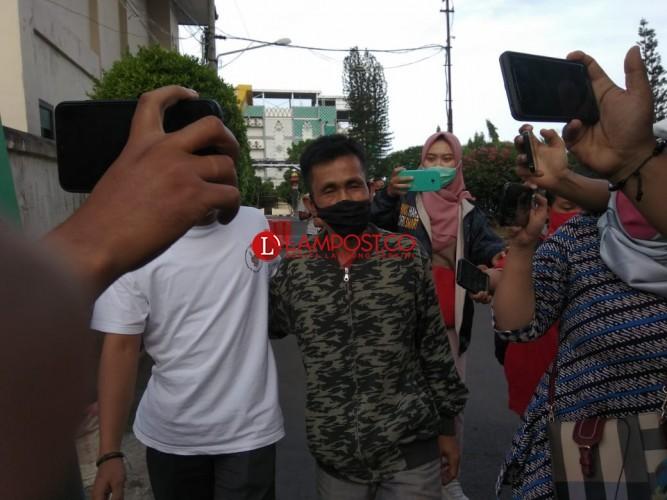 Pengakuan Orang Tua Tersangka Penusukan Syekh Ali Jaber
