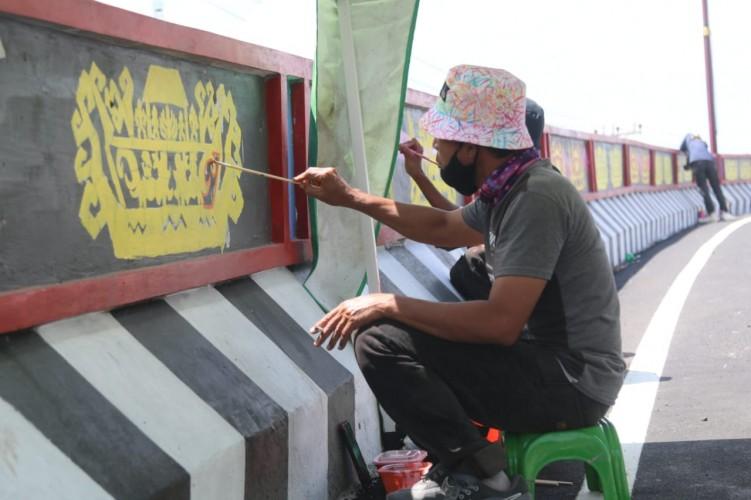Pengerjaan Mural Fly Over Sultan Agung Capai 75 Persen