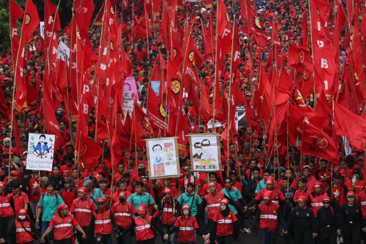 Pengesahan RUU Ciptaker Dinilai Abaikan Nasib Buruh