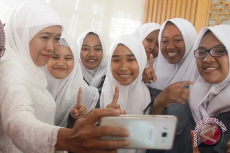 Penghitungan Cepat, Khofifah-Emil Unggul di Jawa Timur