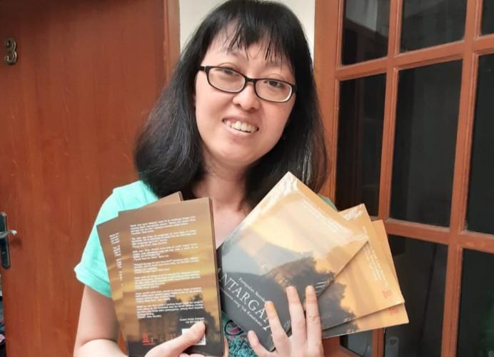 Penulis Lampung Karina Lin Luncurkan Buku Antologi Antargata