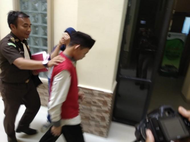Penyebar Foto Bugil Siswi SMP Pesawaran Didakwa UU ITE