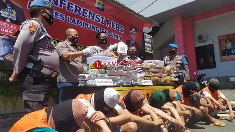 Penyelundupan 28,3 Kg Sabu dan 42 Kg Ganja Digagalkan di Bakauheni