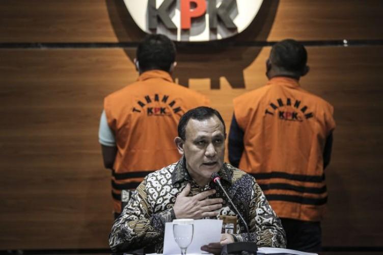 Penyidik KPK Terima Suap, Firli Minta Maaf