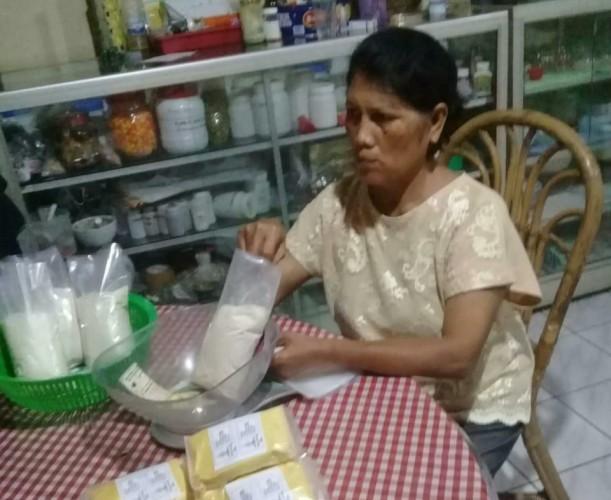 Perajin Jamu Instan Panen Rezeki di Tengah Pandemi Korona