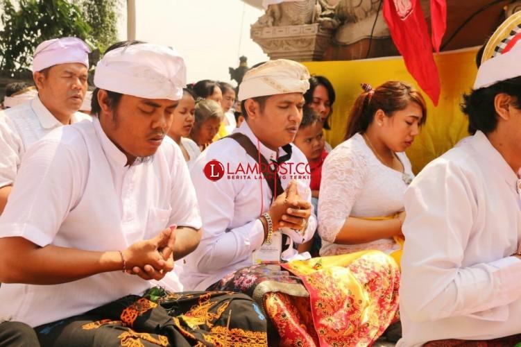 Perayaan Kuningan di Bulan Ramadan Kian Khikmad