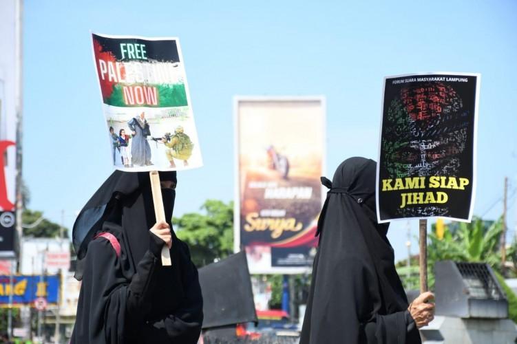 Perempuan Bercadar Hitam itu Siap Jihad Demi Bela Kemanusiaan
