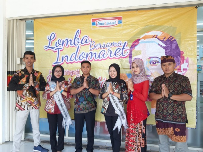 Peringati Hari Kartini, Indomaret Gelar Lomba Fashion Show