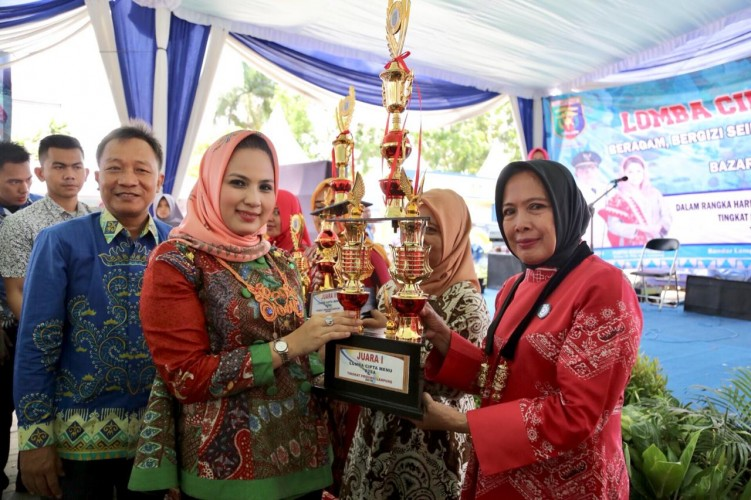 Peringati Hari Pangan Sedunia, Yustin Buka Bazar Pangan