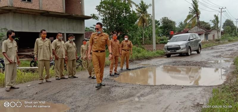 Perusahaan di Lambukibang Diimbau Perbaiki Jalan Rusak