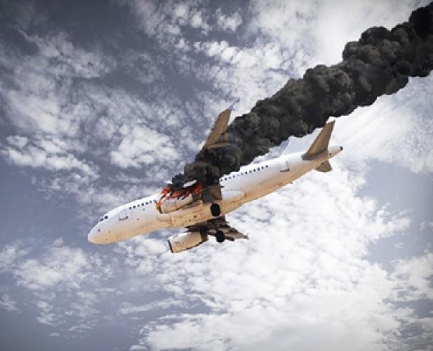 Pesawat Hantam Rumah, 24 Orang Tewas