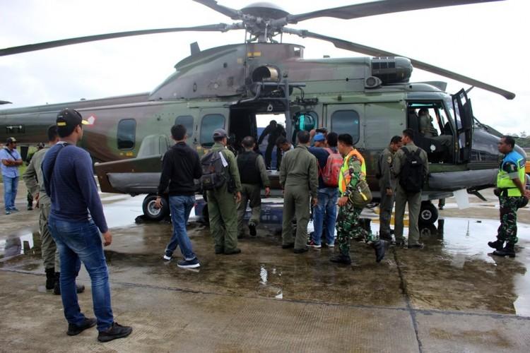 Pesawat Hilang Kontak Diduga Menabrak Gunung
